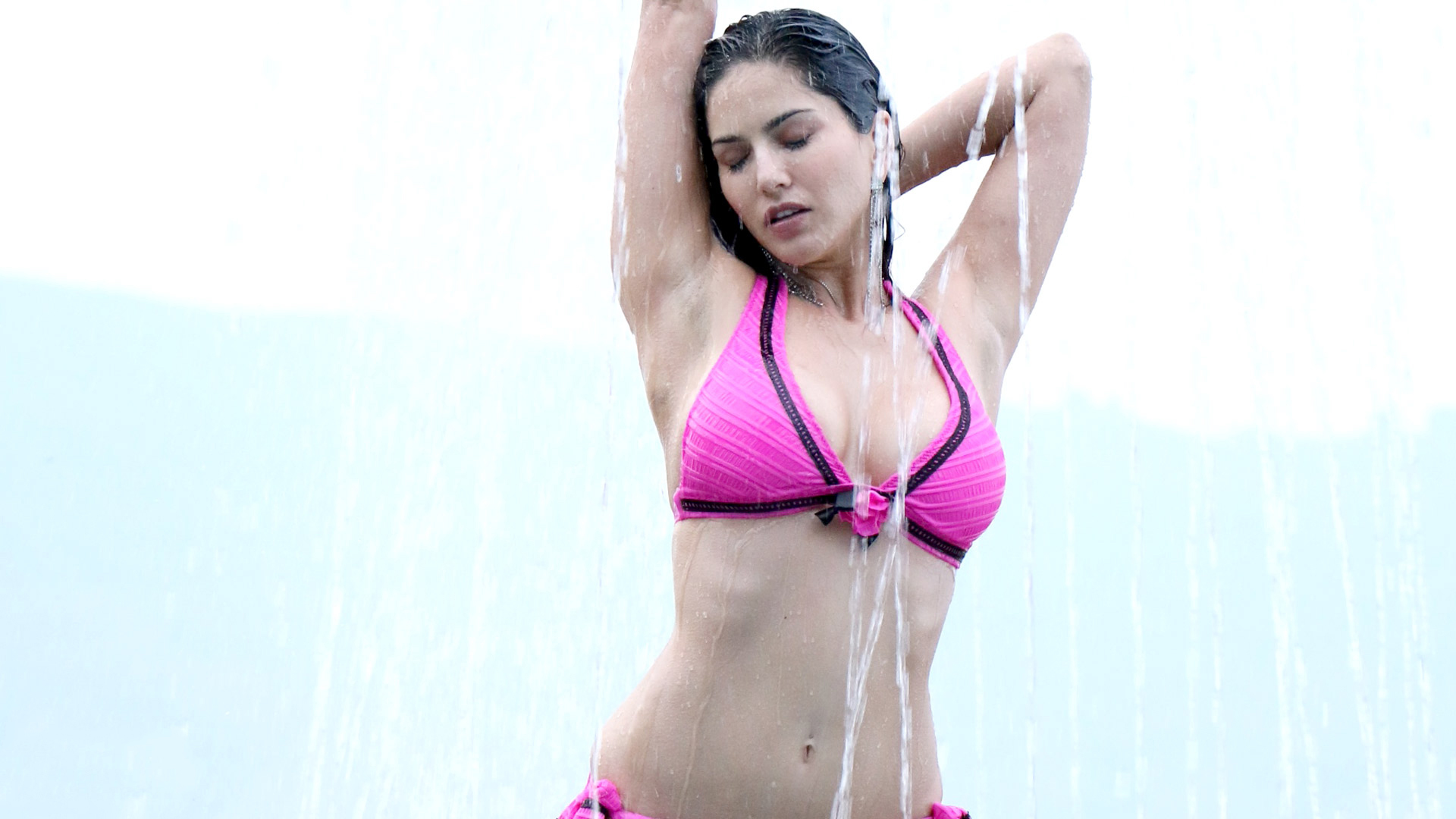 Src 1920x1080px Beauty Sunny Leone Hd Wallpapers
