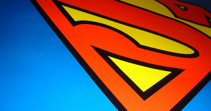It's a bird! It's a plane! It's 40 Superman wallpapers for your