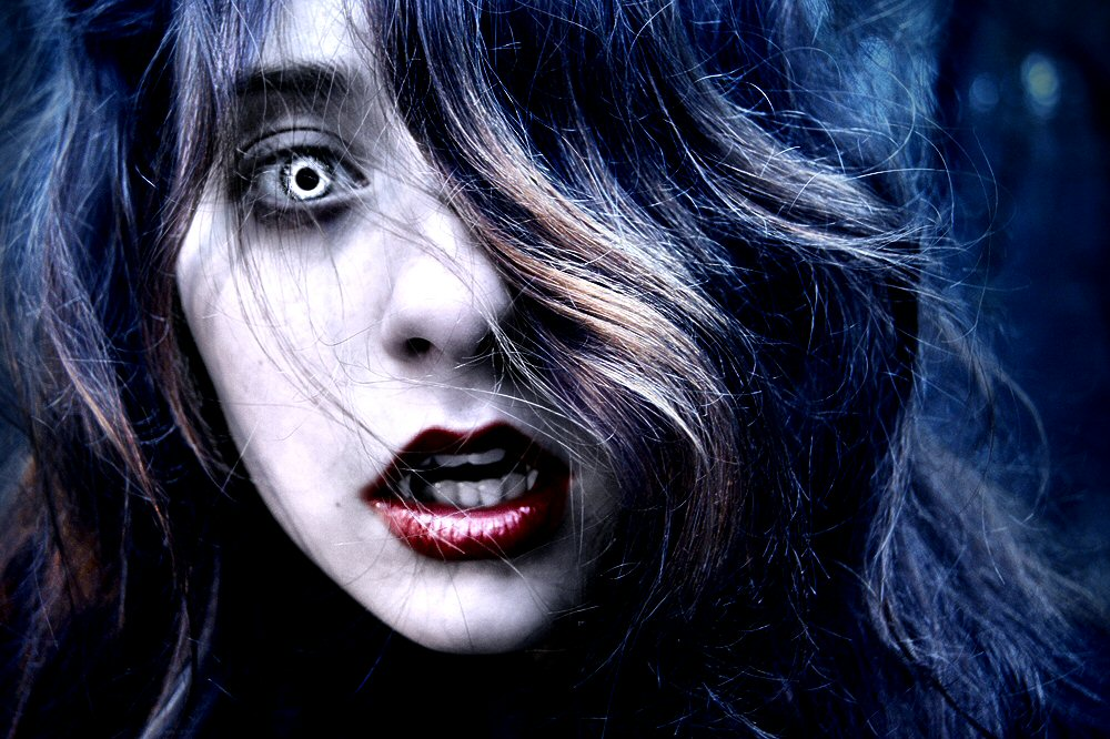 Vampire Wallpapers Free - WallpaperSafari