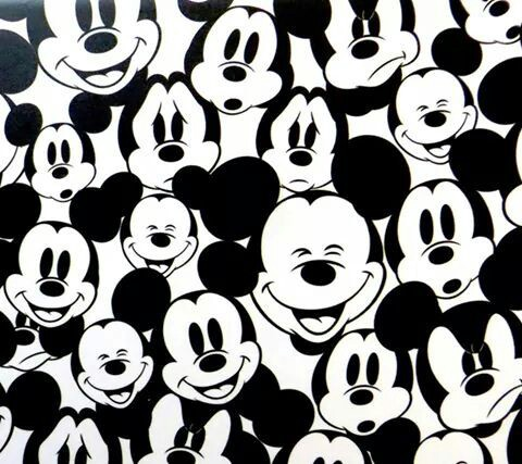 40 units of Wallpaper Mickey Mouse