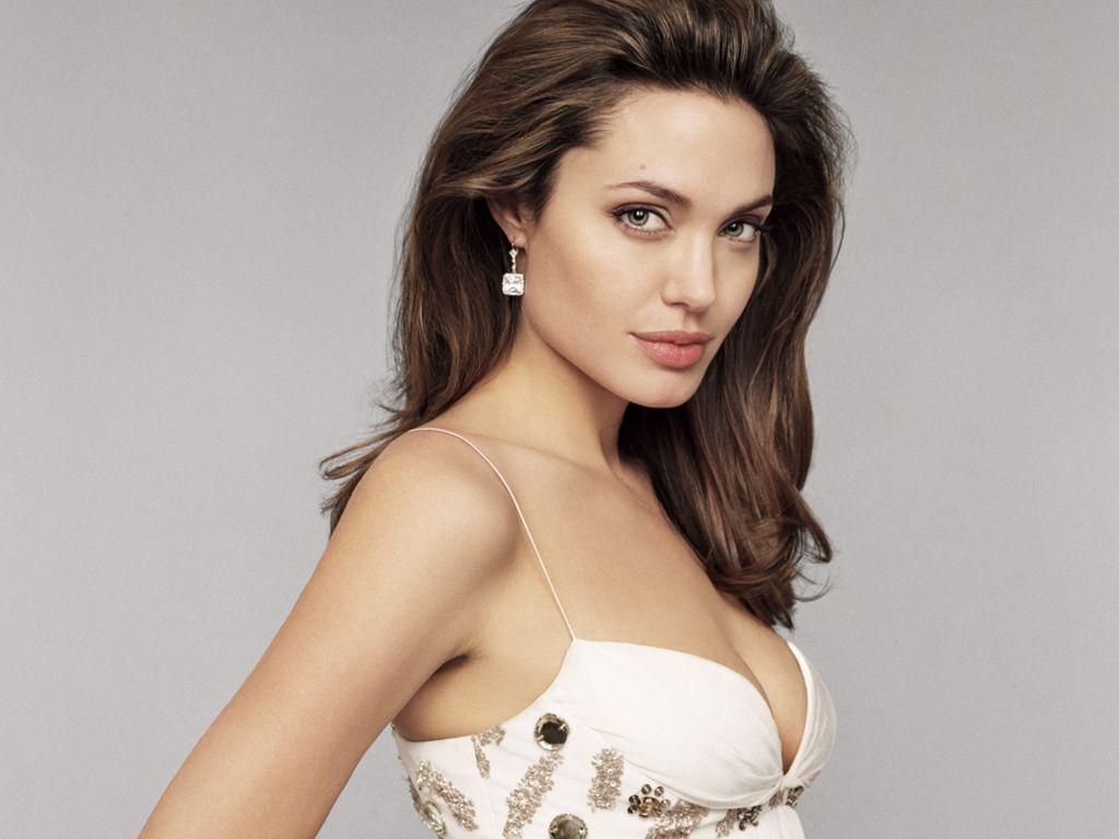 Angelina Jolie Hot And Sexy Pics angelina jolie hot pics - sf wallpaper