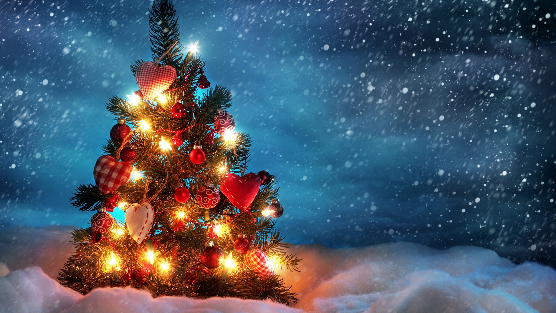 Beautiful Christmas Tree Snow - wallpaper