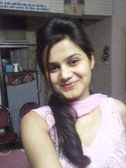 Download Cute Indian Desi Hot Girl Pic  Wallpaper HD FREE Uploaded