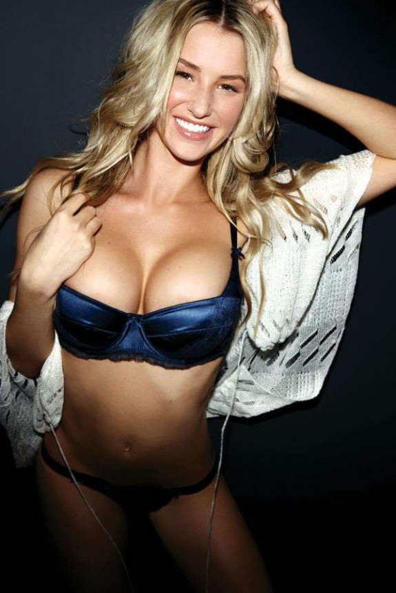 tmsnX Girl of the Week: Danica Thrall - The Majors Sports Network