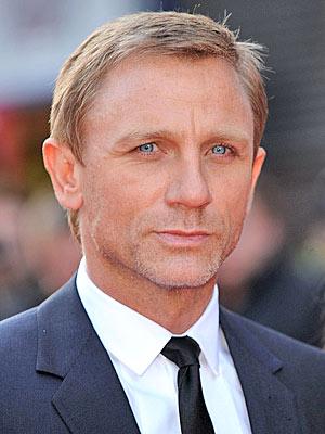 Daniel Craig Favorite Things Music Football Team Movie Hobbies