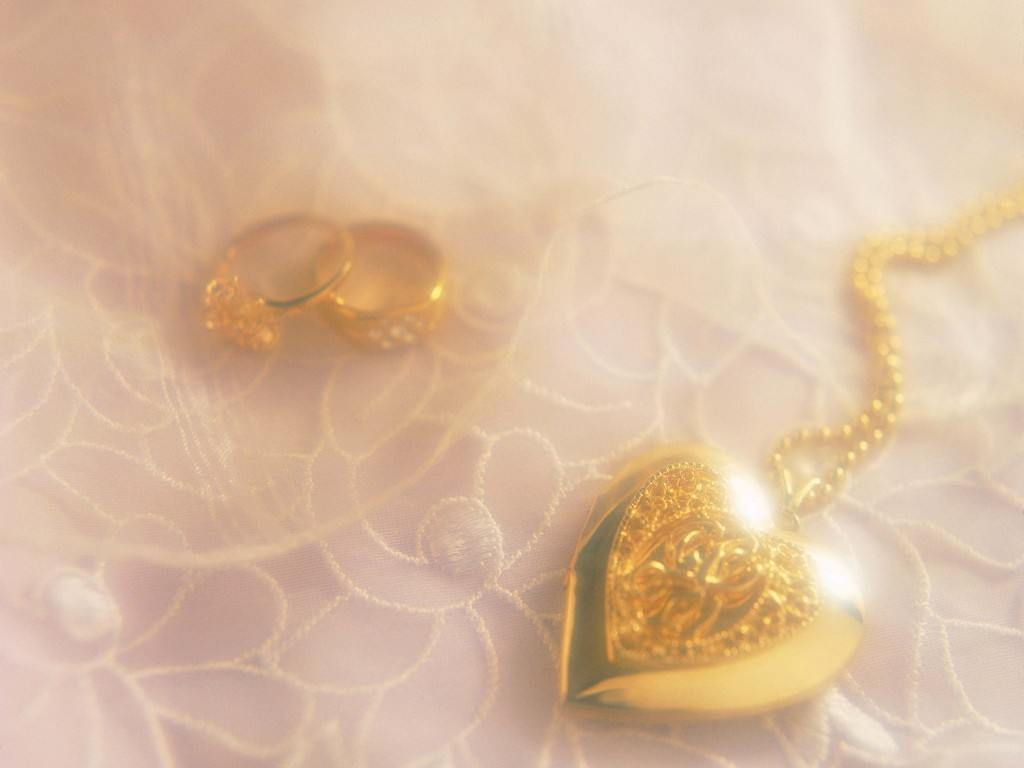 HDQ Cover - Jewellery - Amazing Jewellery Wallpapers