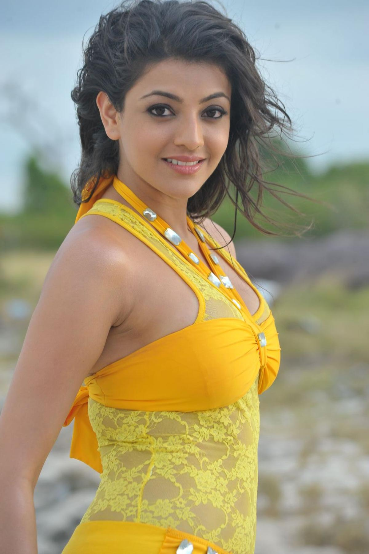 Kajal Agarwal Hot Photos, Images And HD Wallpapers