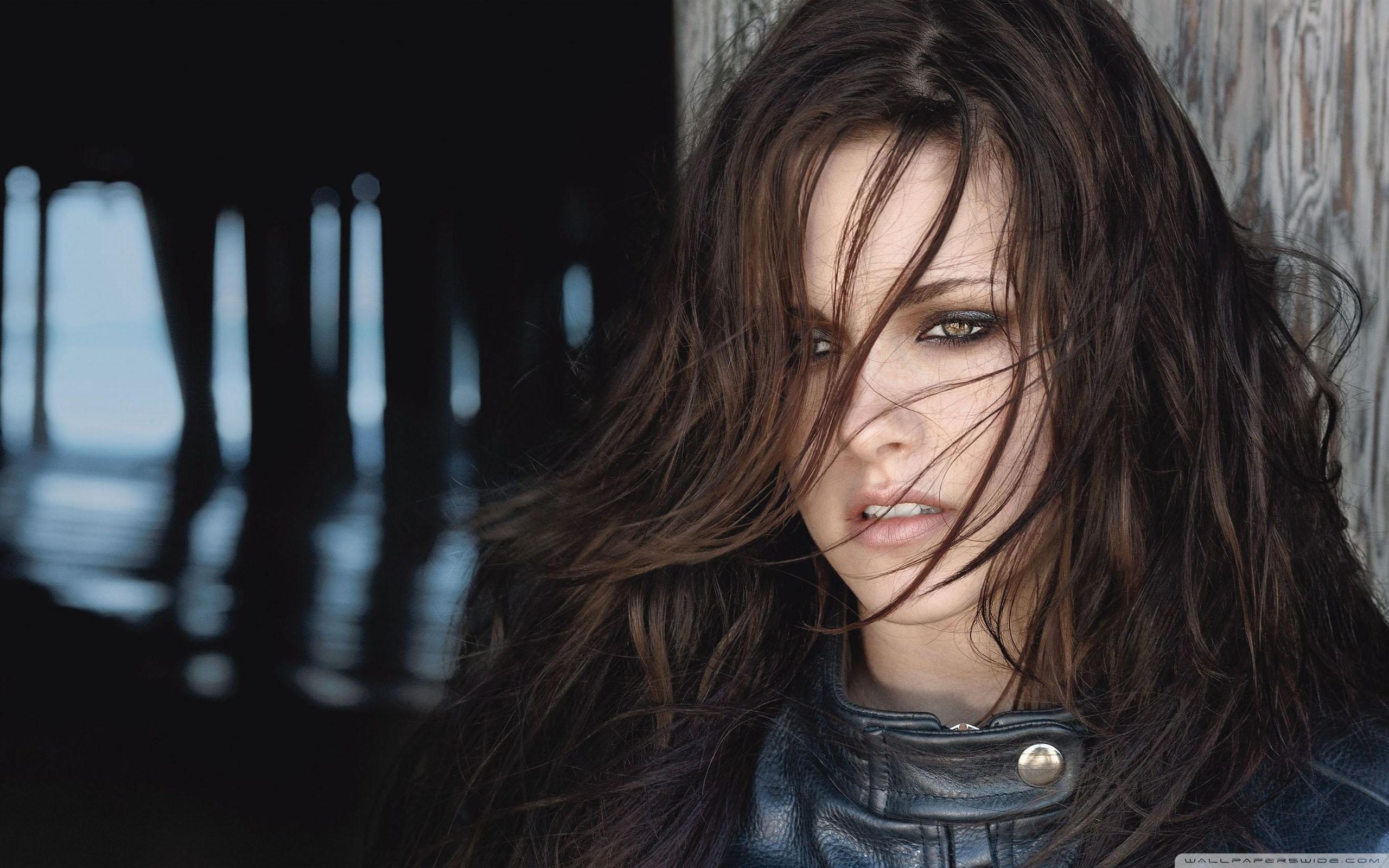 Kristen Stewart HD desktop wallpaper : High Definition