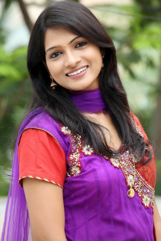 Pallavi Telugu actress New photos,Pallavi New Pics Gallery,Kanada