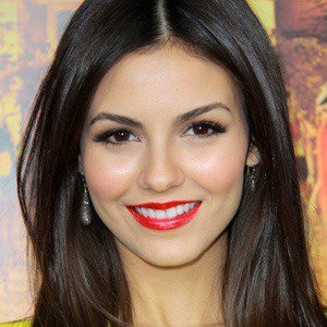 Victoria Justice - Bio, Facts, Family | Famous Birthdays